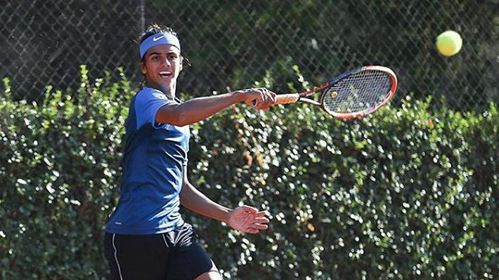 La historia del tenista chileno N°1 en juveniles que entrena con Jarry y que ahora no quiere dar el salto al profesionalismo