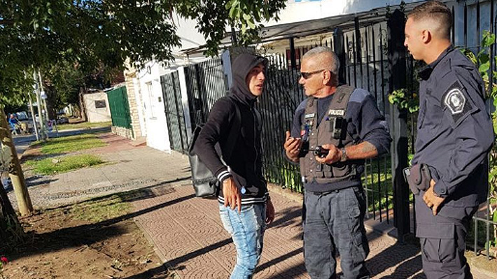 Jugador de Racing, rival de la U, protagoniza escándalo en Argentina: Se negó a alcoholemia e intentó sobornar a la policía