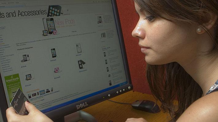 E-Commerce sigue creciendo en Chile: 74% de los consumidores online aumentaron sus compras en 2017