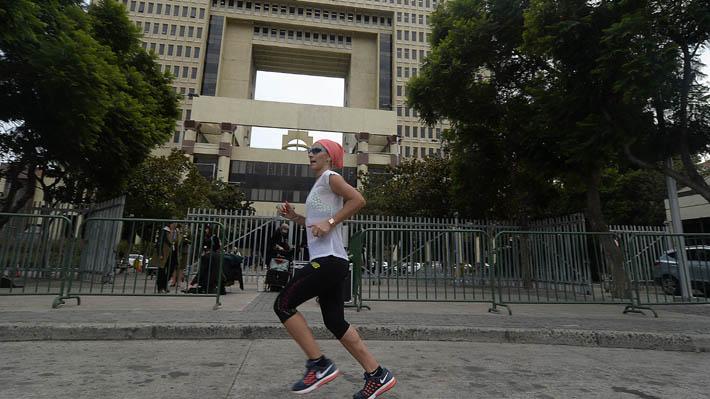 Entre el deporte y el Parlamento: Diputada Olivera corre 10K antes de entrar al Congreso