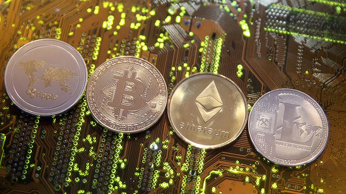 """Bloomberg sobre Chile: """"La banca de la nación más rica de Sudamérica le hace la desconocida a las criptomonedas"""""""