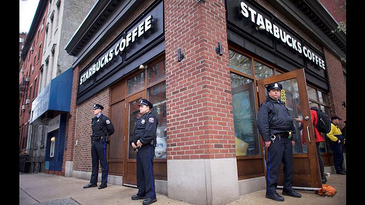 Conocida cadena de cafeterías enfrenta difíciles momentos tras acusaciones de racismo en uno de sus locales