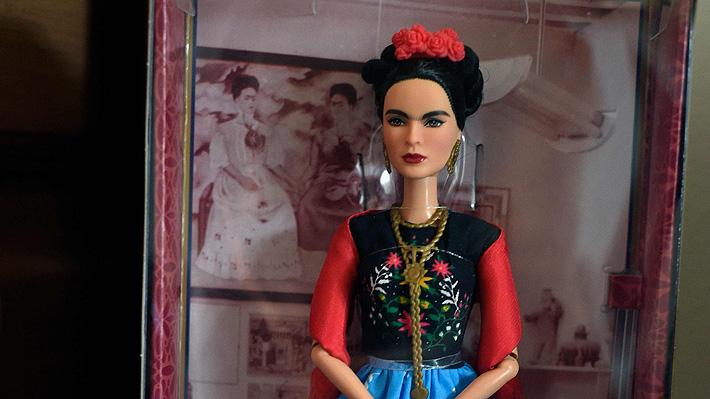 Un juez detuvo la venta de la polémica muñeca de Frida Kahlo por no contar con los derechos de imagen