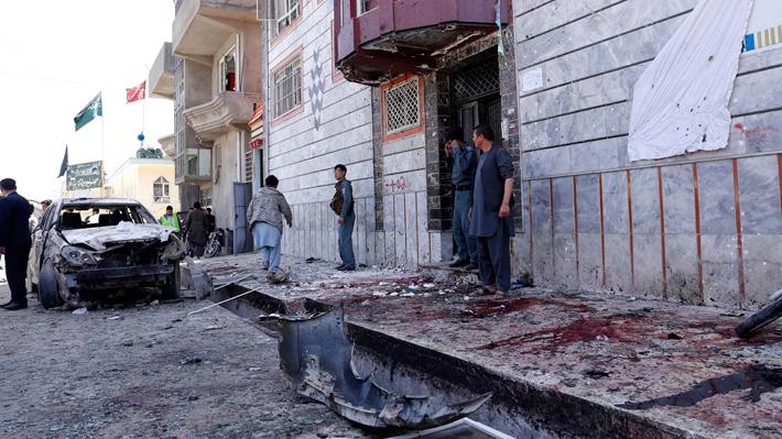 Aumentan a 57 las víctimas fatales del atentado del EI en Afganistán