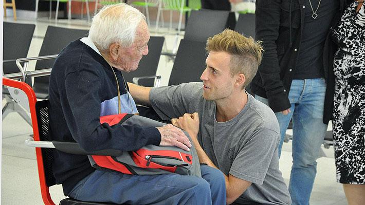 Científico australiano de 104 años se despidió de sus cercanos y viajó a Suiza para poner fin a su vida