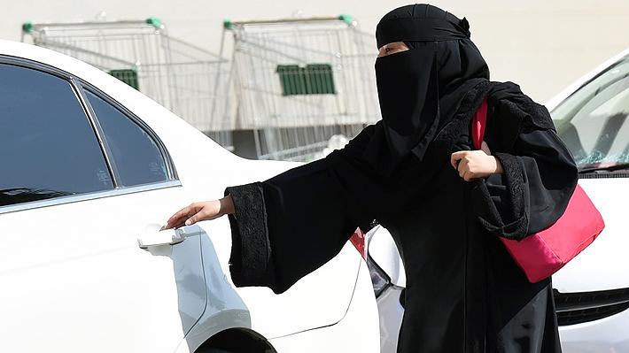 Decreto fue anunciado en septiembre: Mujeres podrán conducir en Arabia Saudita desde el 24 de junio