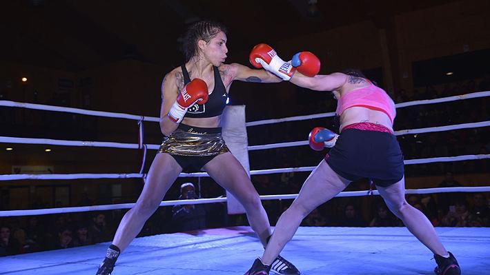 """Daniela """"Leona"""" Asenjo, la violinista y psicopedagoga que peleará en Argentina por el título mundial de boxeo"""