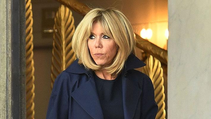 Brigitte Macron denuncia a empresa de cosméticos por usar su imagen para promocionar cremas antiedad