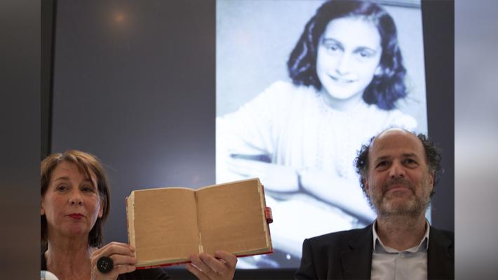 Descubren páginas ocultas en el diario de Ana Frank donde la joven habla de prostitución y sexo