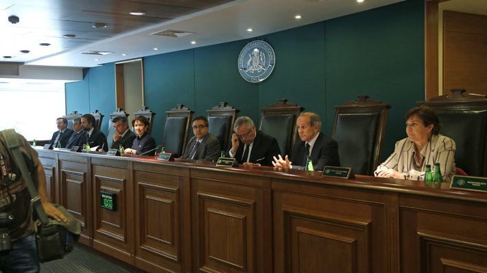 El otro caso que involucra a Carlos Carmona: Revelan denuncia por acoso laboral cuando estaba en el TC