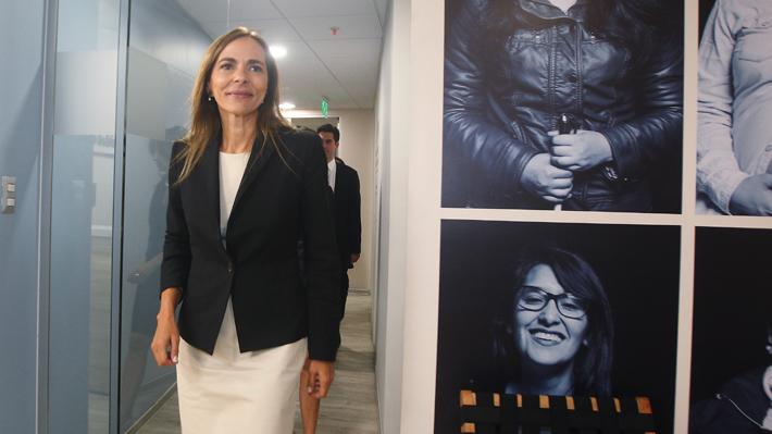 La hora de Isabel Plá: El protagónico rol que ha tomado la ministra de la Mujer en medio de la ola feminista