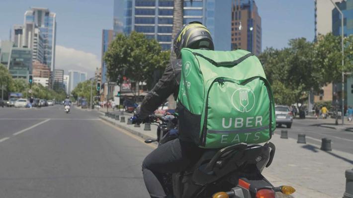 Repartidores de delivery de comida ya superan los 3.000 en Chile