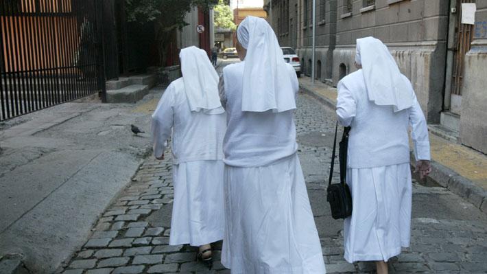 Mujeres en la Iglesia Católica: Radiografía a las religiosas que ejercen actualmente en Chile