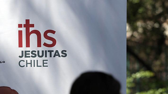 Jesuitas envían a Roma antecedentes de nueva investigación por abusos de menores de cura Jaime Guzmán Astaburuaga