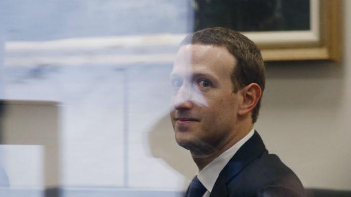 Facebook niega traspaso de información privada de los usuarios a fabricantes de teléfonos