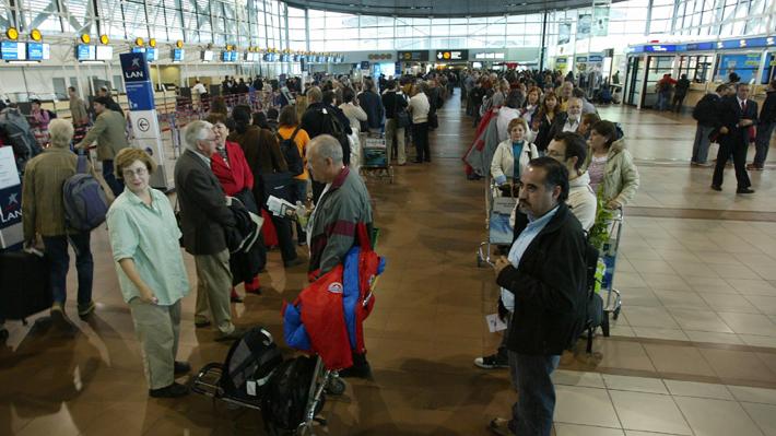 Ranking sitúa al Aeropuerto de Santiago entre los peores del mundo