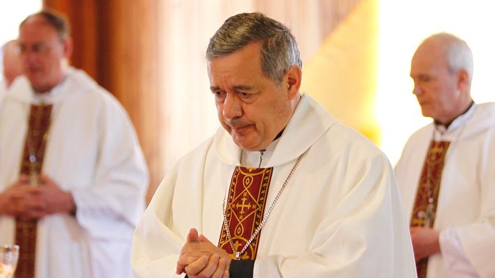 Crisis en la Iglesia chilena: Francisco acepta renuncia de obispos Juan Barros y Gonzalo Duarte