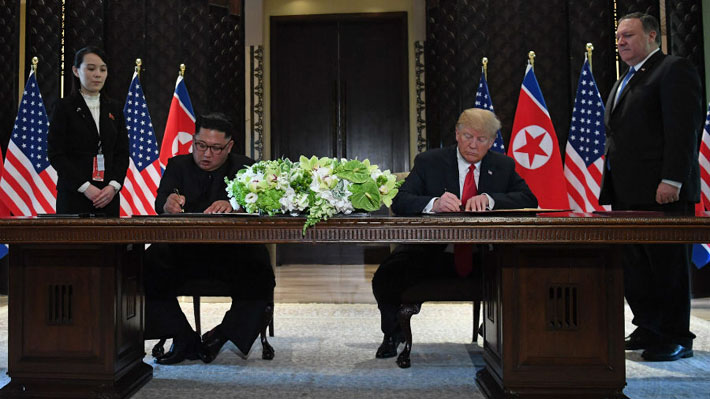 """""""Hemos decidido dejar el pasado atrás"""": Trump y Kim Jong-un firman acuerdo tras histórica cumbre"""