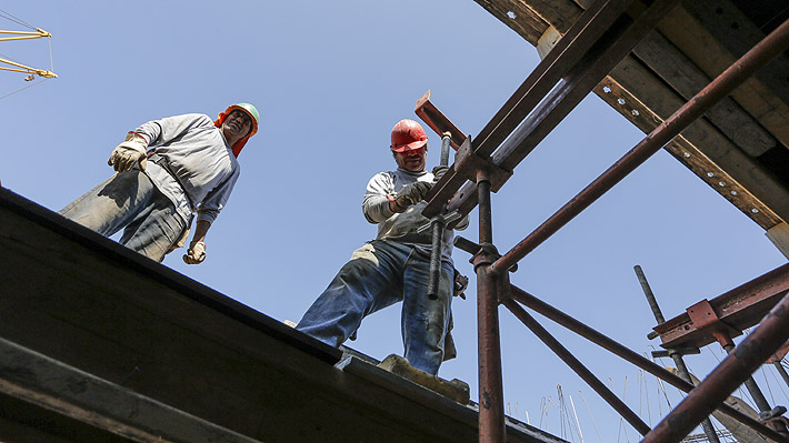 IPoM mantiene techo de crecimiento para este año, pero eleva con fuerza la proyección de inversión