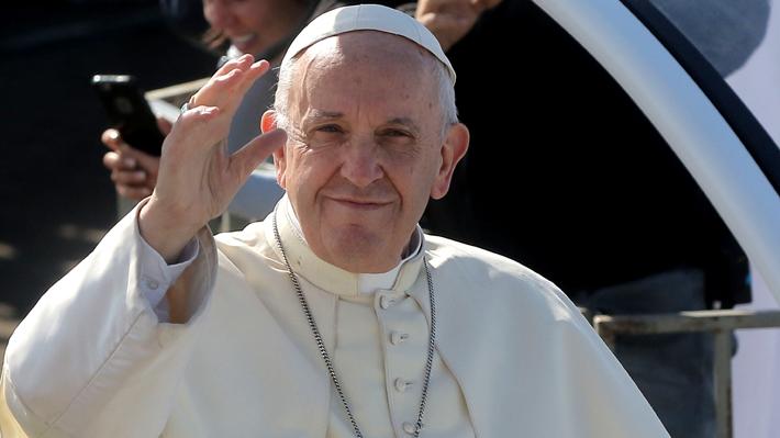 """Papa Francisco pide un pacto mundial que asegure """"humanidad"""" en el trato a refugiados"""