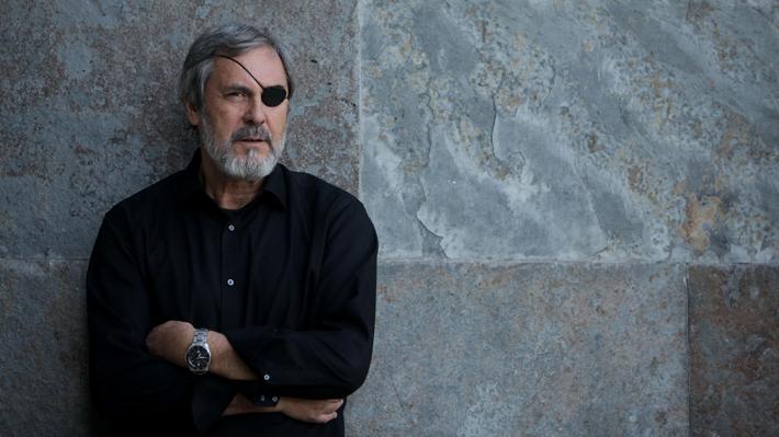 """Santiago Pavlovic critica """"sueldos estratosféricos"""" de TVN: """"La televisión pública es un compromiso con el país"""""""