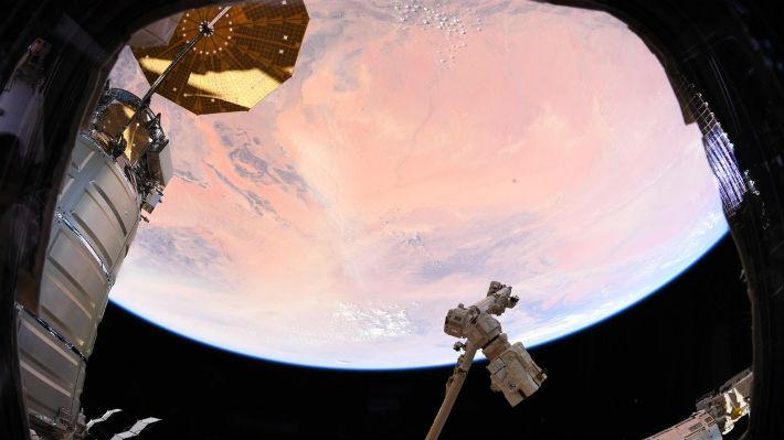 ¿Marte o la Tierra? Astronauta toma una confusa fotografía desde la Estación Espacial