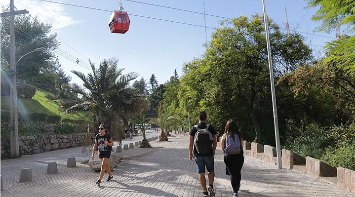 Estudio: La mayoría de las áreas verdes en las ciudades chilenas son privadas