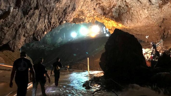 Revive la última jornada de rescate de los niños y su entrenador de una cueva en Tailandia