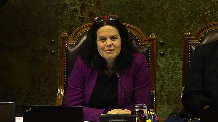 Diputados votan hoy censura contra mesa de la Cámara que propuso Chile Vamos: ¿A qué se arriesga Maya Fernández?