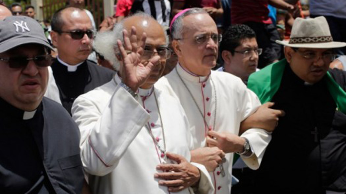 """Obispos aseguran que seguirán mediando en diálogo por la paz en Nicaragua """"pese a la hostilidad del Gobierno"""""""