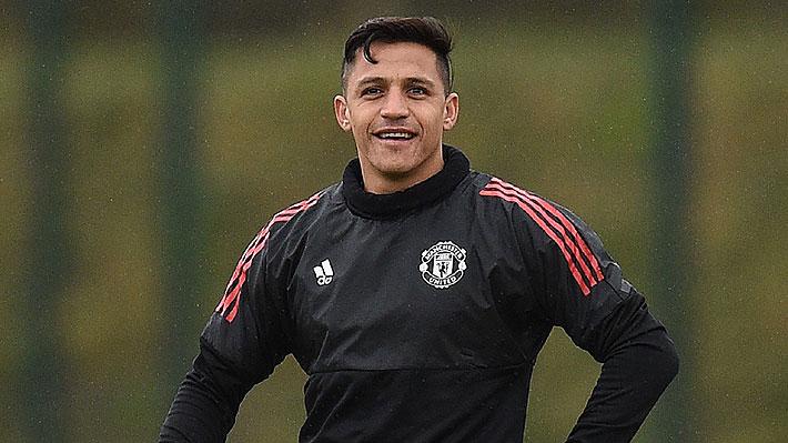 Alexis terminó sus vacaciones y regresó al United con la misión de mejorar el rendimiento de su primera temporada en el club