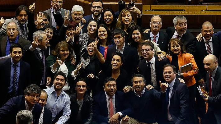 """Tras rechazo a censura: Fernández insiste en que """"defendimos la casa de la democracia"""" y apuesta al diálogo con el Gobierno"""