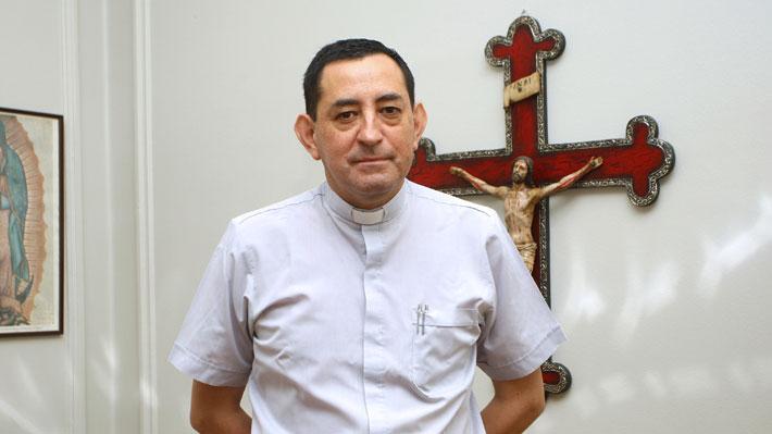 Fiscalía detiene a ex canciller del Arzobispado de Santiago por casos de presuntos abusos sexuales