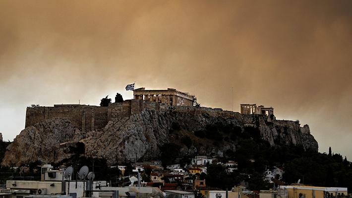Galería: Las imágenes que muestran la destrucción del voraz incendio forestal que afecta a Grecia