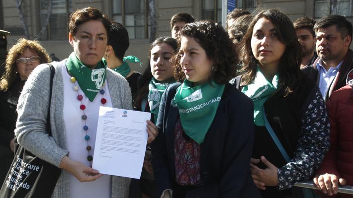 """Beatriz Sánchez deja carta a Piñera: """"Tenemos que tener la seguridad de que vamos a poder seguir marchando"""""""