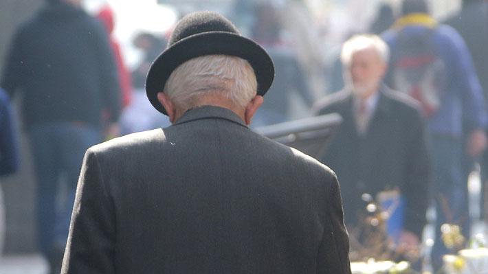 Salud busca sumar alzheimer y atenciones dentales para adultos mayores al Plan AUGE
