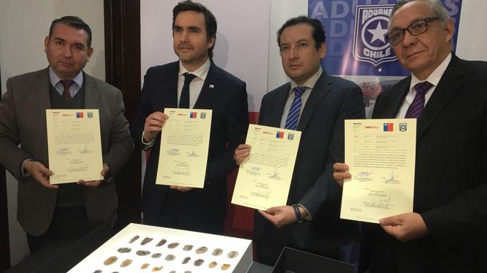 Chile devuelve a Bolivia fósiles de la era paleozoica incautados en el paso Los Libertadores