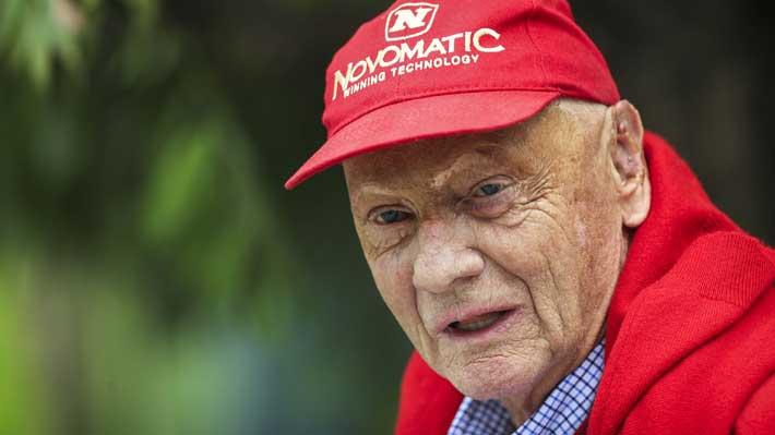 Niki Lauda fue operado de urgencia y nuevamente burló a la muerte