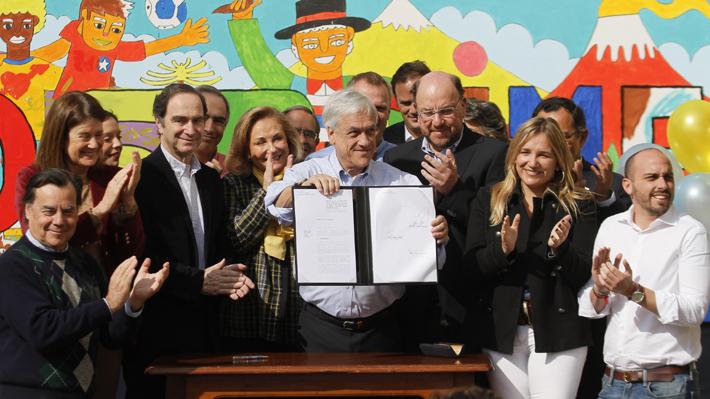 Presidente Piñera firma proyecto que pone fin al Sename y anuncia el cierre del polémico Cread de Playa Ancha