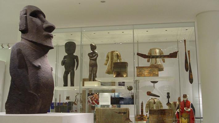"""¿Podría Rapa Nui recuperar su moai?: La estricta política de """"no devolución"""" del Museo Británico y la excepción con Tasmania"""