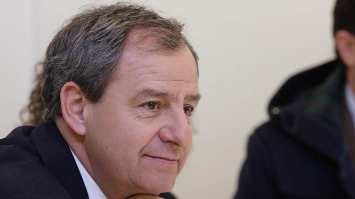 """Ministro Varela responde a Bachelet: """"Ojalá tengamos más Estado y más bingos"""""""