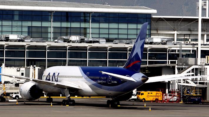 Latam afirma que se realizaron todos los protocolos de seguridad en muerte de menor durante vuelo