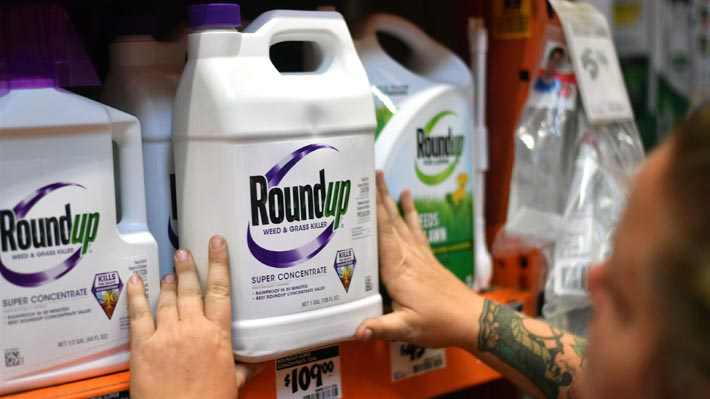 Jurado de EE.UU. ordena a Monsanto pagar 289 millones de dólares en demanda por efecto cancerígeno de herbicida