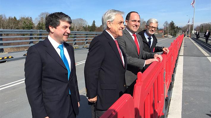 """Presidente Piñera inaugura el puente Cau Cau y lo califica como un """"gran avance"""""""