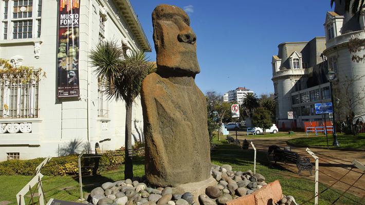 El otro moai que reclama Isla de Pascua: Isleños piden regreso de escultura desde Museo Fonck