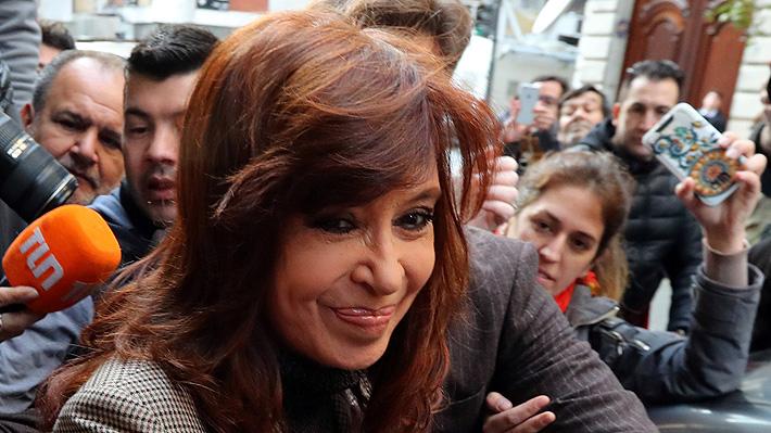"""Cristina Fernández se defiende: """"A mí nunca nadie me pagó nada"""" por firmar decretos"""