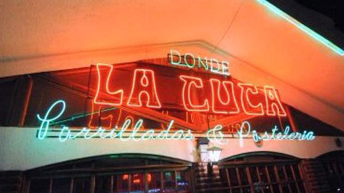 """Seremi de Salud prohíbe funcionamiento de popular restaurante """"La Cuca"""": Tenían 220 kilos de carne vencida"""