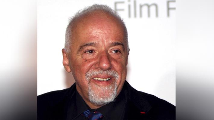 """Paulo Coelho se indigna durante una entrevista: """"No estoy cómodo. Borra todo"""""""