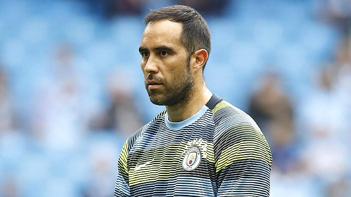 Manchester City confirma  grave lesión de Claudio Bravo que lo dejaría fuera por el resto de la temporada