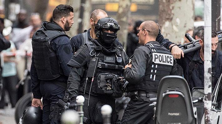 Al menos un muerto deja ataque con cuchillo en una ciudad cerca de París